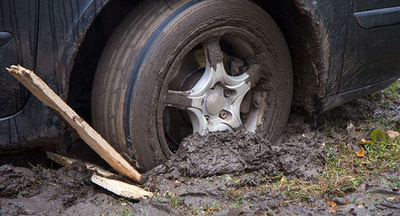 Not Too Many Wheels Spinning On These >> How To Get Your Car Unstuck From Mud Or Sand Simply Savvy