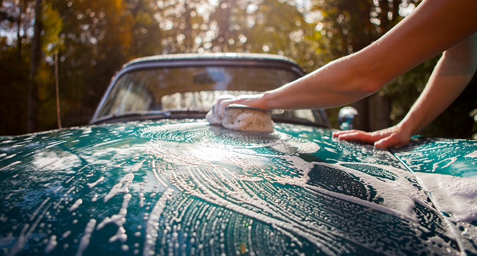https://www.budgetdirect.com.au/blog/wp-content/uploads/2015/02/how-to-wash-your-carhero.jpg