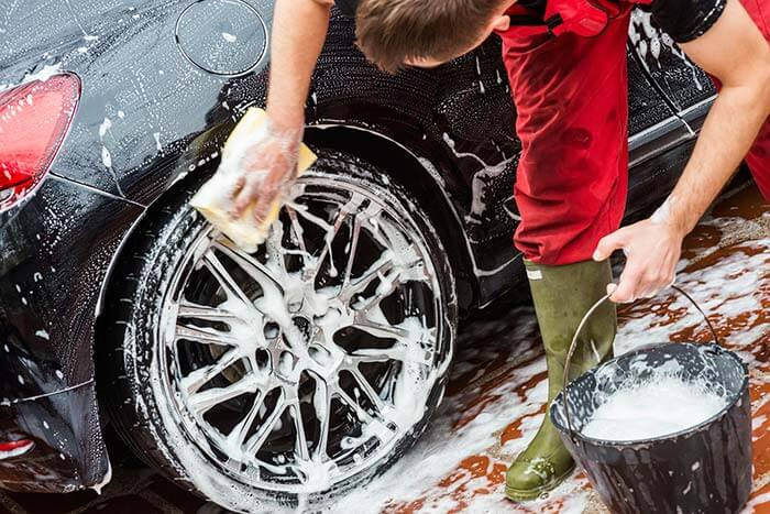 CleaningWheelRims