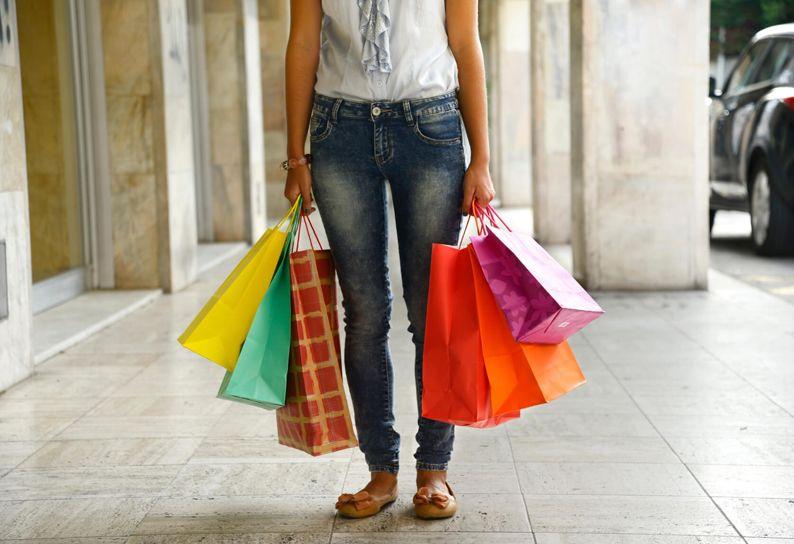 Shopaholic (2)