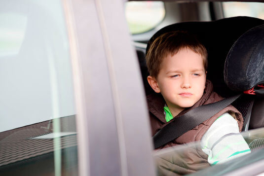 Children shouldn't be asked to refuel cars at petrol stations; keep them buckled up inside the vehicle.