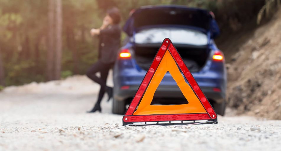 12 Things To Put In A Car Emergency Kit Simply Savvy Budget Direct