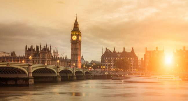UK travel guide: Big Ben and Westminster Bridge